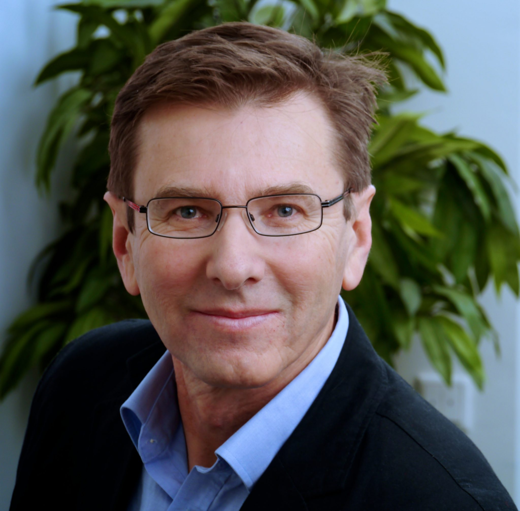 Dr. Klaus Manhart